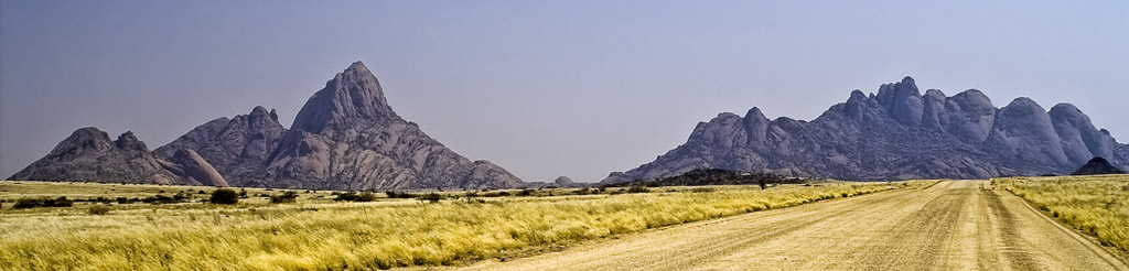 Spitzkoppe and Pontoks - Photographer D. Reimann